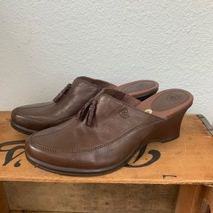 NEW Ariat Brown Leather Clogs Mules Size 10